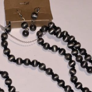 Jewelry - Indian Pearl Long Necklace Set